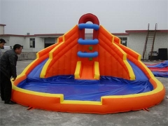 Kleiner Splash-Down-Bounce-Slide-Combo